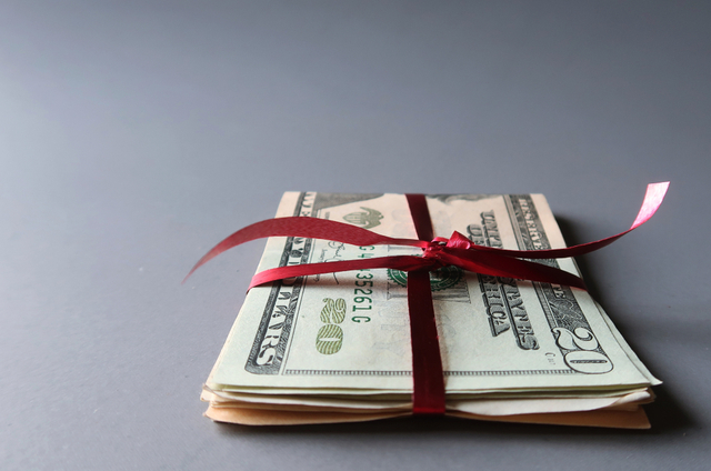 Year-End Gift Giving with Tax Implications